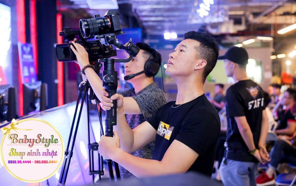Đội ngũ quay phim và chụp ảnh chuyên nghiệp
