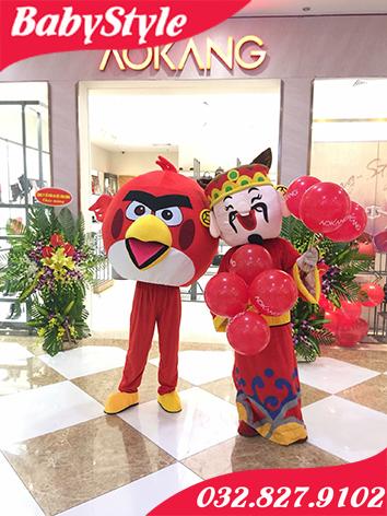 Hình ảnh mascot thần tài và chim Angry Bird vô cùng đáng yêu