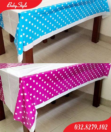 Hình ảnh khăn trải bàn nilon