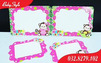 Khung hình sinh nhật khỉ con