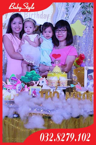Niềm vui gia đình trong sinh nhật Thỏ Ngọc