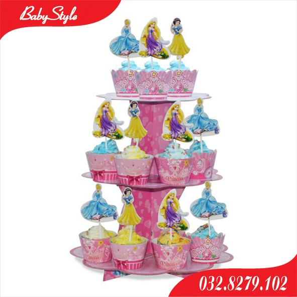 Tháp bánh sinh nhật công chúa Disney.