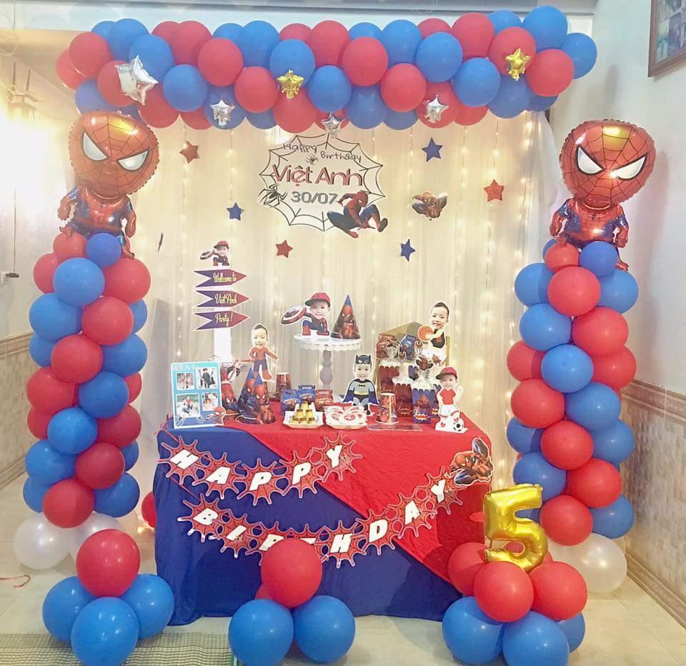 hướng dẫn cách trang trí tiệc sinh nhật chủ đề người nhện