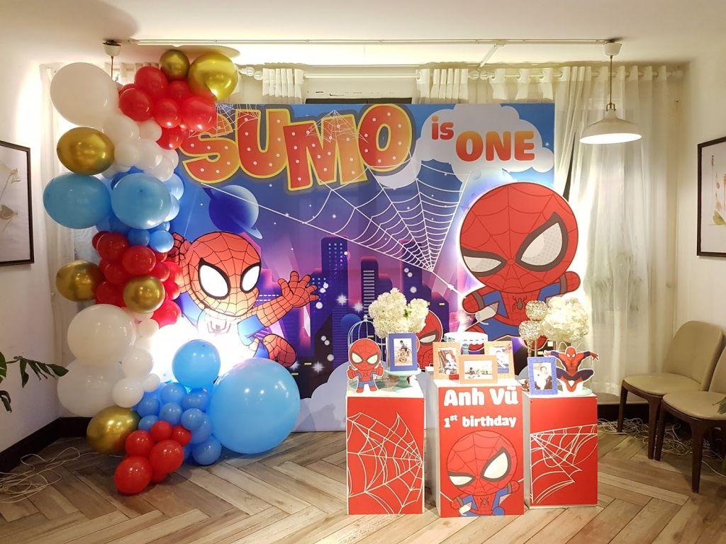 mẫu trang trí sinh nhật cho bé chủ đề người nhện