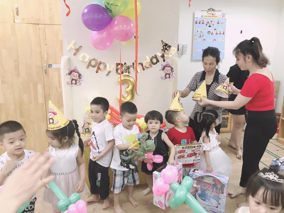 trang trí không gian sinh nhật cho bé tại nhà